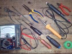 alat dan bahan praktek elektronika